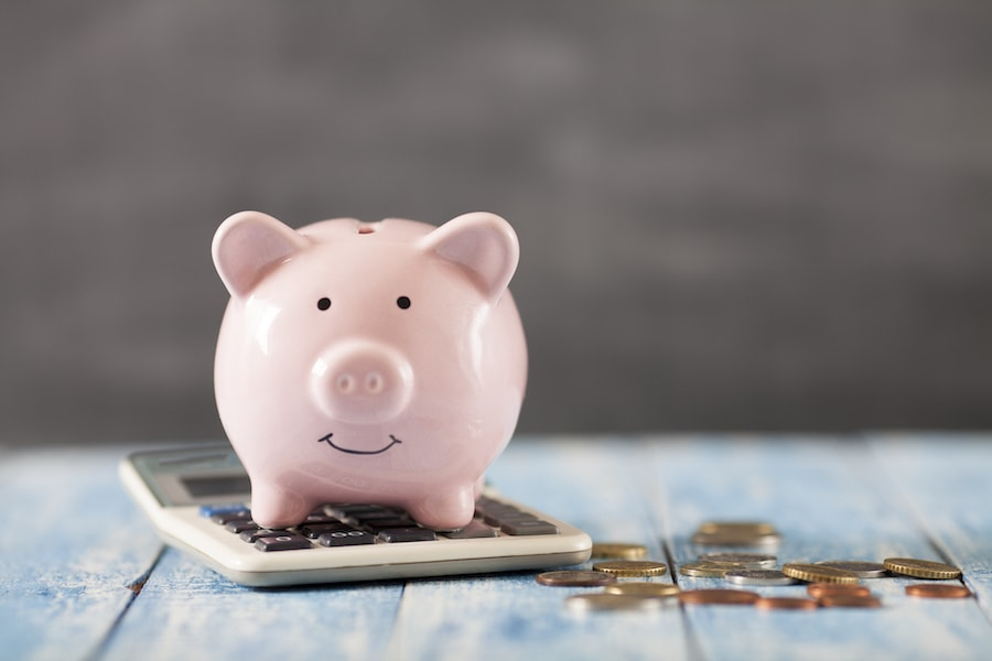 piggy bank representing the 5 ways you can save money on your summer energy bill